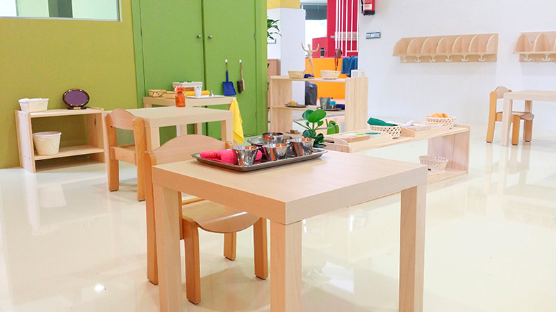 Montessori toddler classroom - use of colour without being overwhelming
