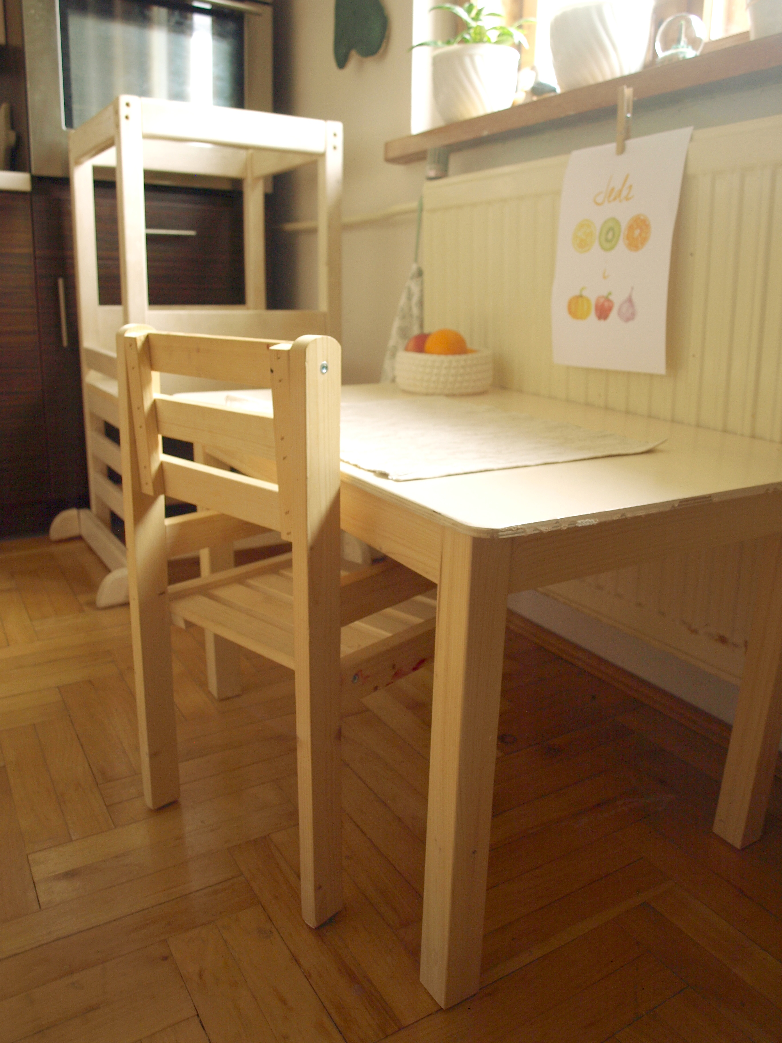 Montessori table and chair